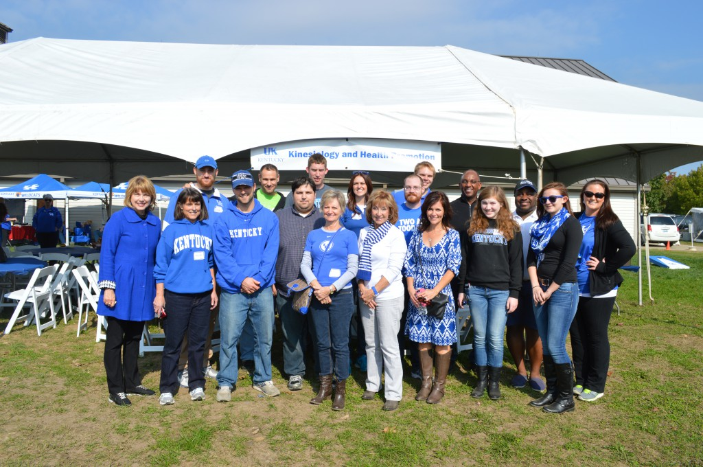 homecoming photo o Kinesiology and Health Promotion alumni tailgate