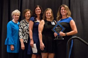 photo of Pam Duncan accepting award