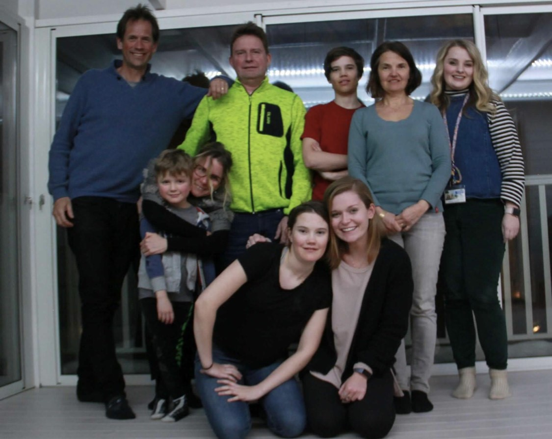 photo of UK student teachers with Sweden host families
